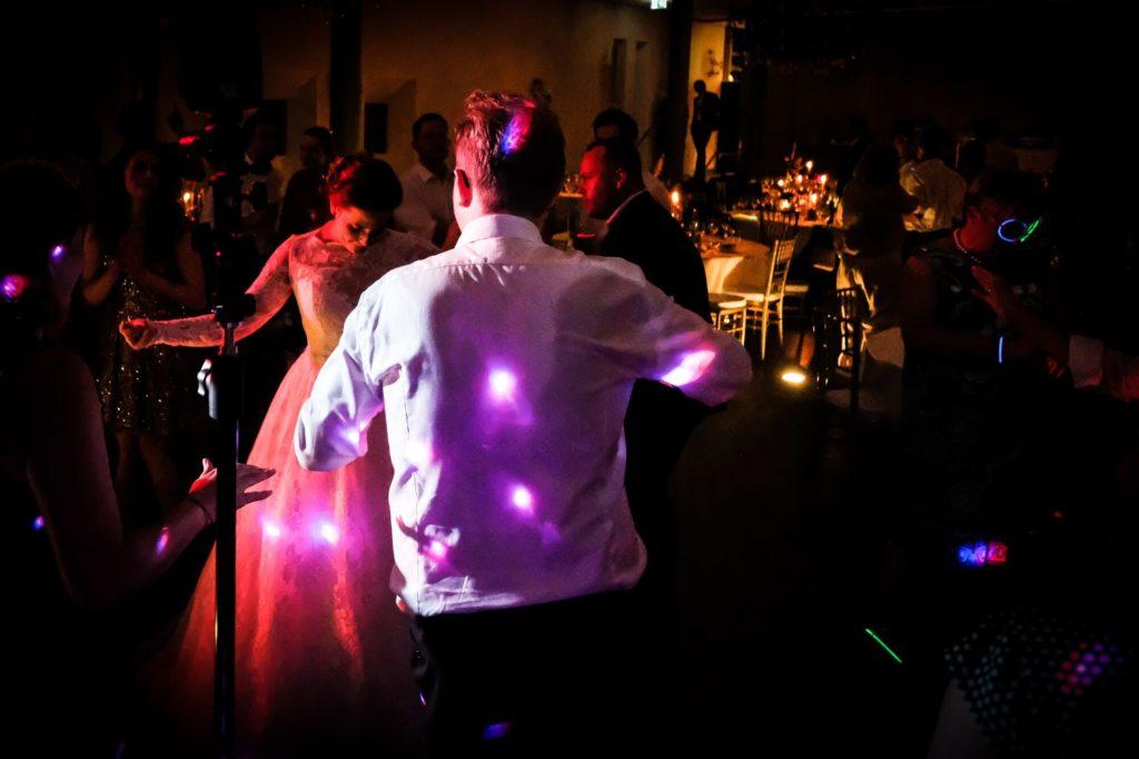 Braut am tanzen