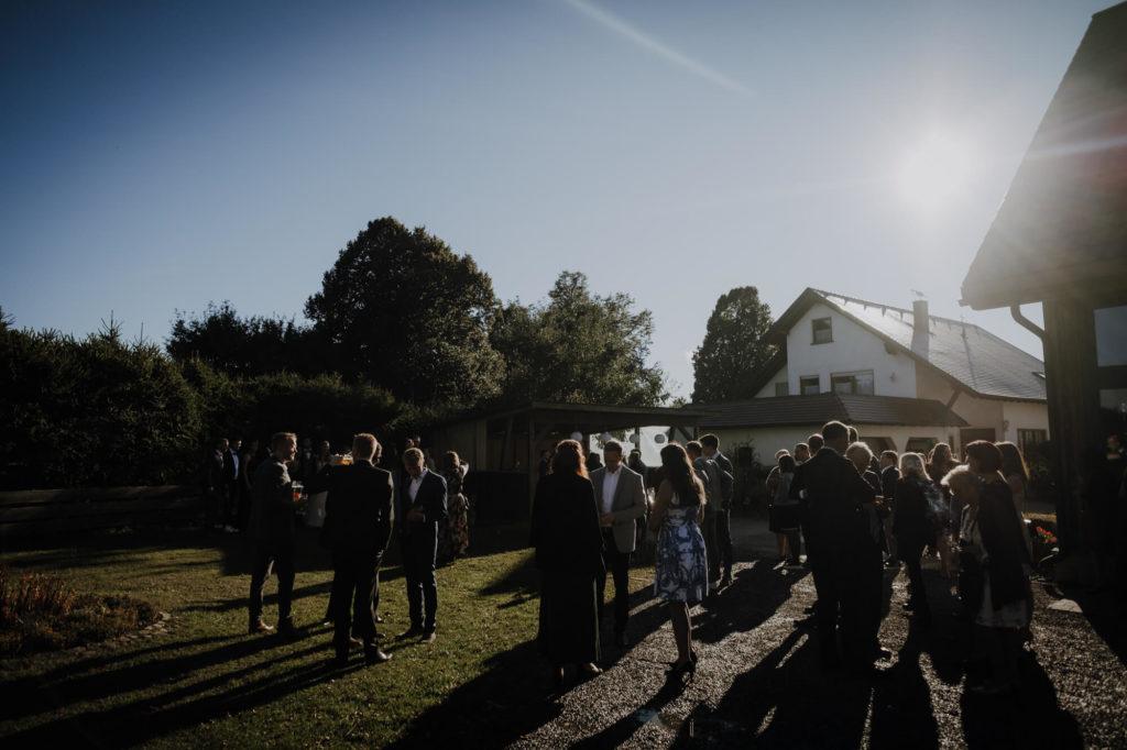 Straußenfarm Lindenhof Außenbereich Sektempfang